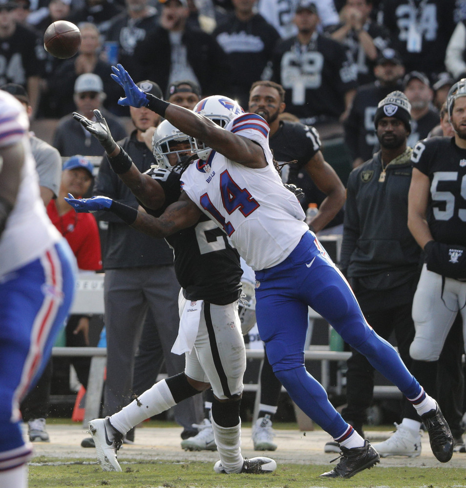 NFL: DEC 04 Bills at Raiders